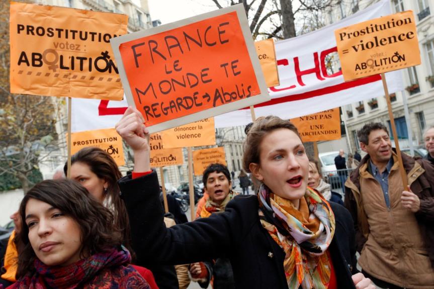 Loi sur le Renforcement de la lutte contre le système prostitutionnel : ADOPTÉE!